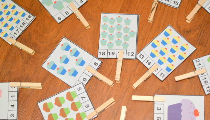 Free Printable Cupcake Counting Clothes Pin Cards 1 -20